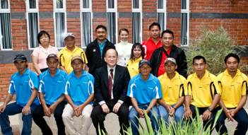 Curtin Sarawak welcomes parents and teachers from  Lusong Laku