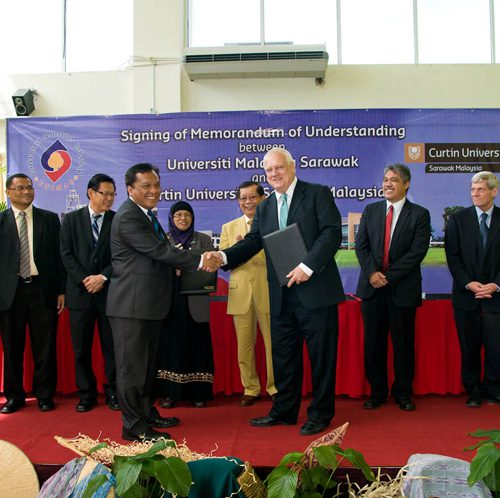 Curtin Sarawak and Unimas to develop and promote academic links and research collaboration