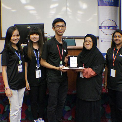Fruitful experience for Curtin Sarawak students attending IEEE event