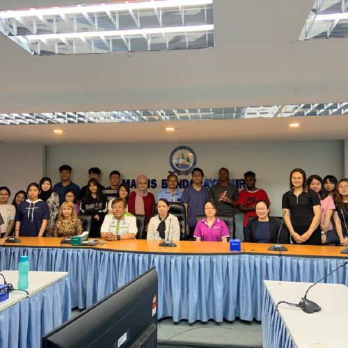 Curtin Malaysia Foundation in Commerce students learn about business operations at Miri City Council