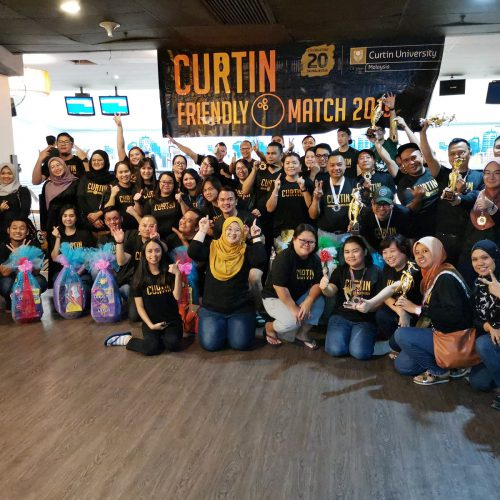 Curtin Malaysia hosts friendly bowling match to strengthen ties with government bodies