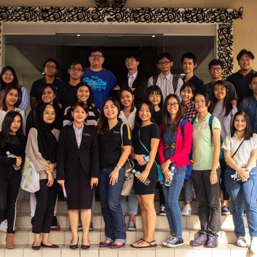 Curtin Malaysia journalism students visit Miri High Court