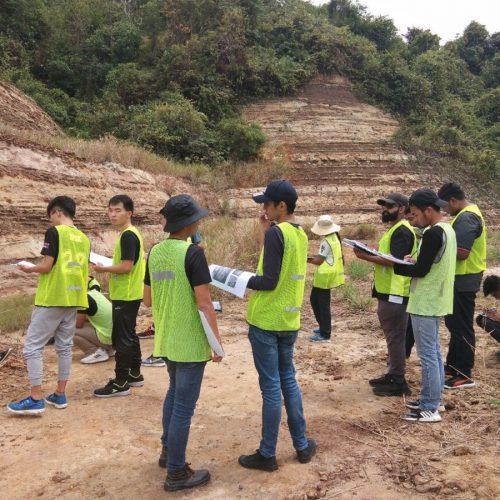 Curtin Malaysia applied geology students go on field trips to study past and modern environments