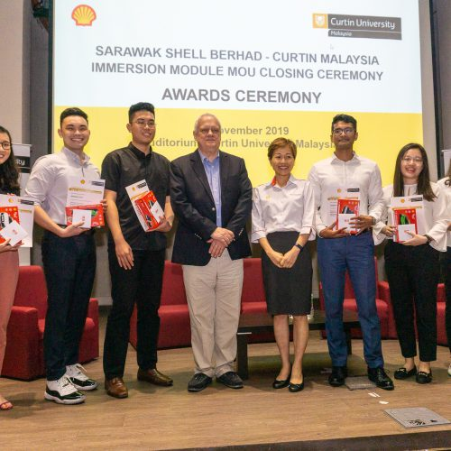 Sarawak Shell Berhad and Curtin Malaysia close Immersion Module with awards presentation and industry dialogue